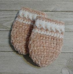 Baby mittens pink white velvet infant girl 0/6 month crochet